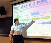 Supply chain executive speaks to retail management students